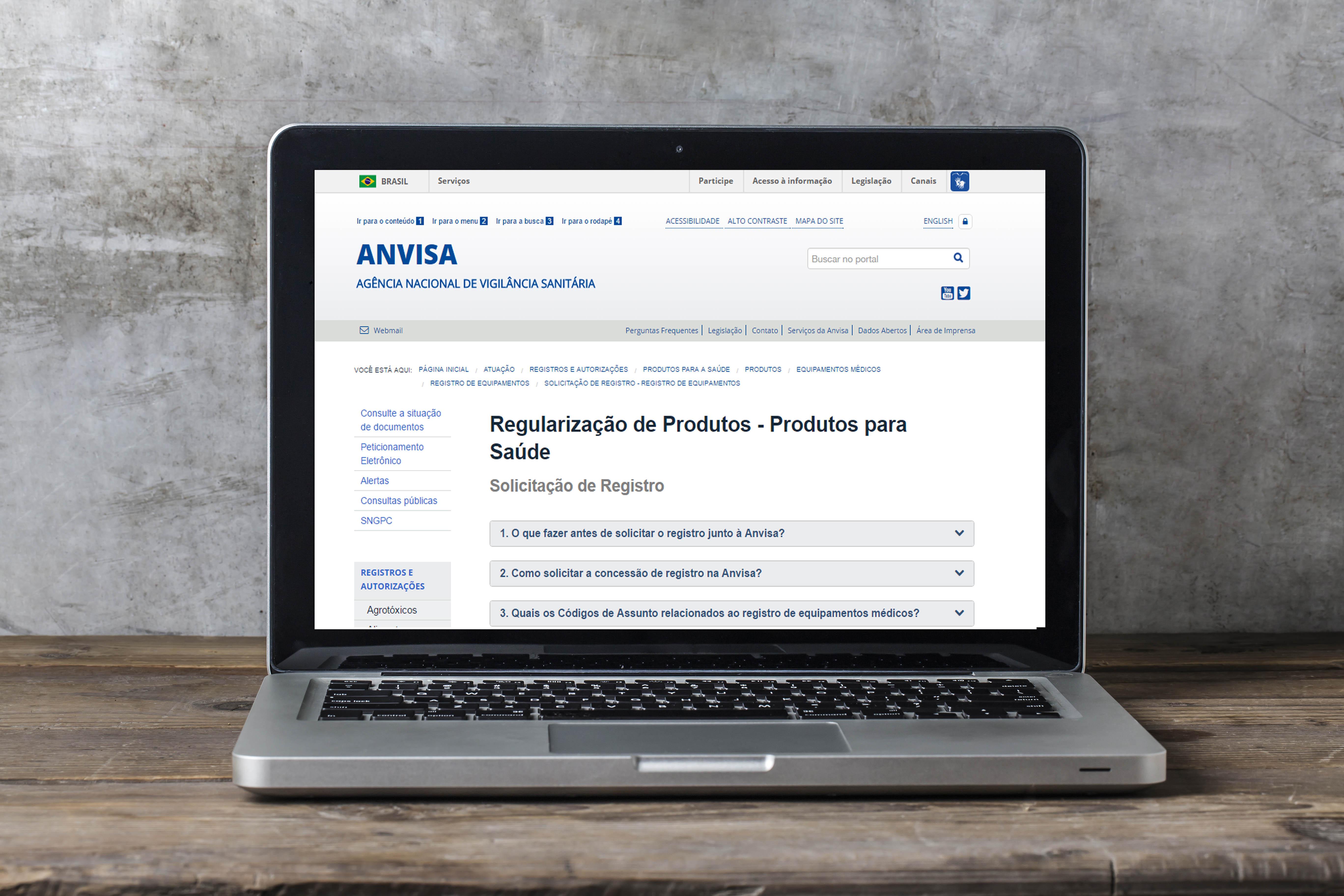 O registro de equipamentos médico se inicia de fato com o peticionamento eletrônico no site da Anvisa.